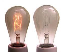 Pelea de inventores: se prendió la lamparita