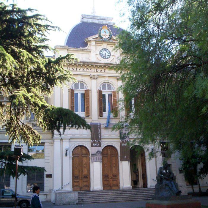 Muestras, proyecciones de películas y recitales en la Universidad de La Plata