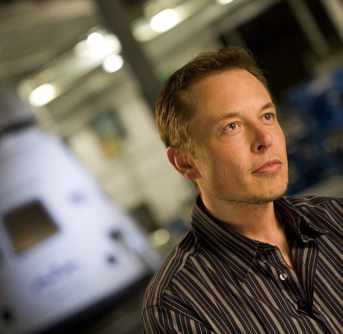 """Elon Musk anunció la construcción de una """"pickup"""" eléctrica"""