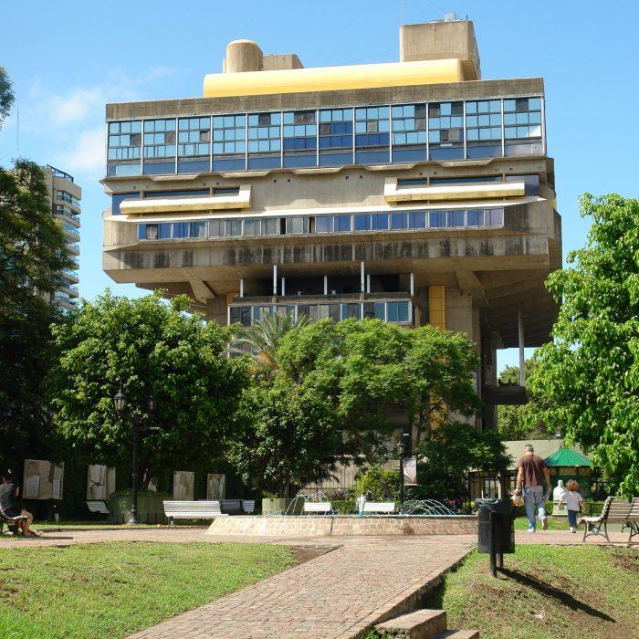 Biblioteca Nacional lanzó una convocatoria a dos concursos de becas de investigación