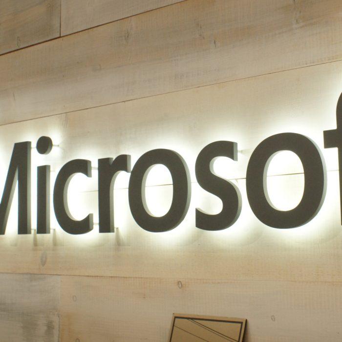Microsoft anunció la compra de una plataforma online de vídeos que se usan en las aulas