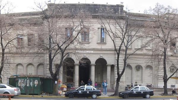 Presos bonaerenses donaron muebles al Hospital de Niños de La Plata