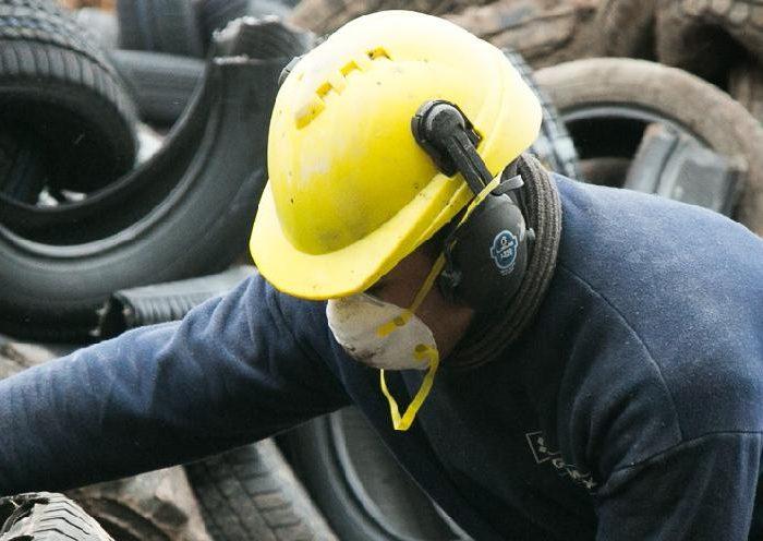 Reciclado: Canchas de césped sintético hechas con neumáticos validadas por la FIFA