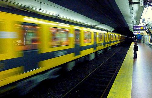 La mitad de las mujeres en Argentina se sienten inseguras en el transporte público