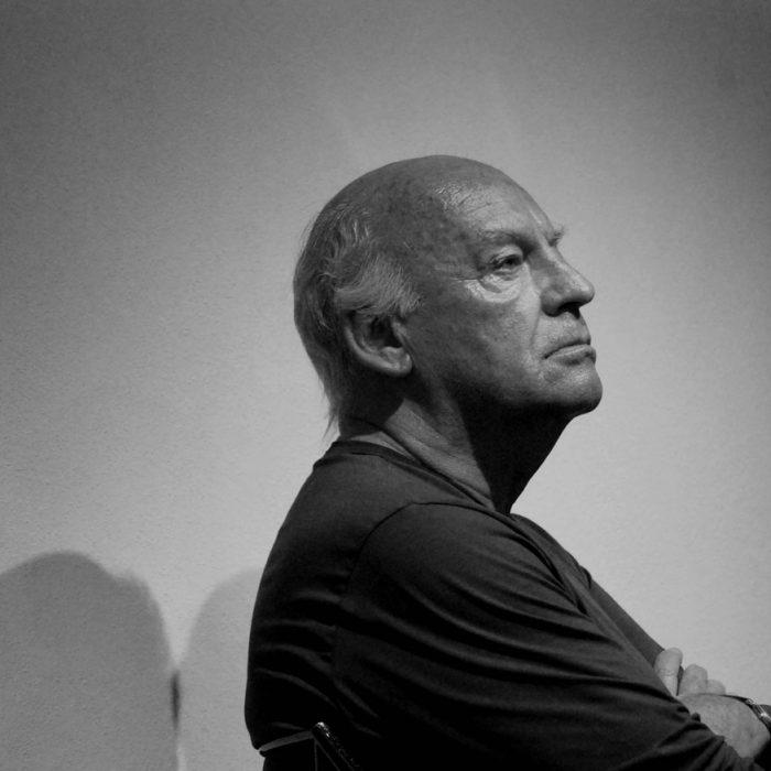 """""""Amares"""", una compilación de varios textos cortos en los que Eduardo Galeano"""