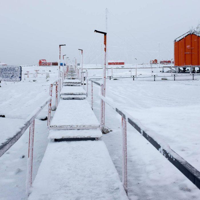 Viajamos al continente blanco para reducir el consumo energético de la Base Marambio