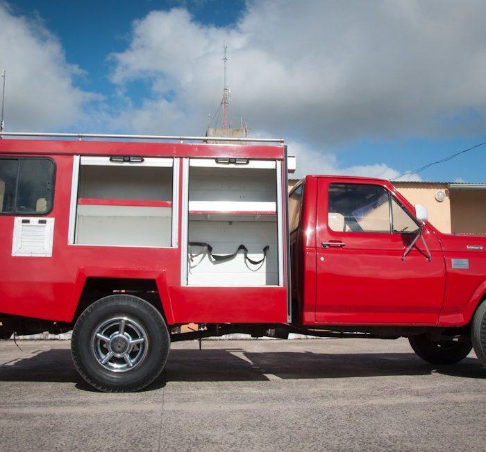 Internos de una de las cárceles repararon un camión del cuartel de bomberos