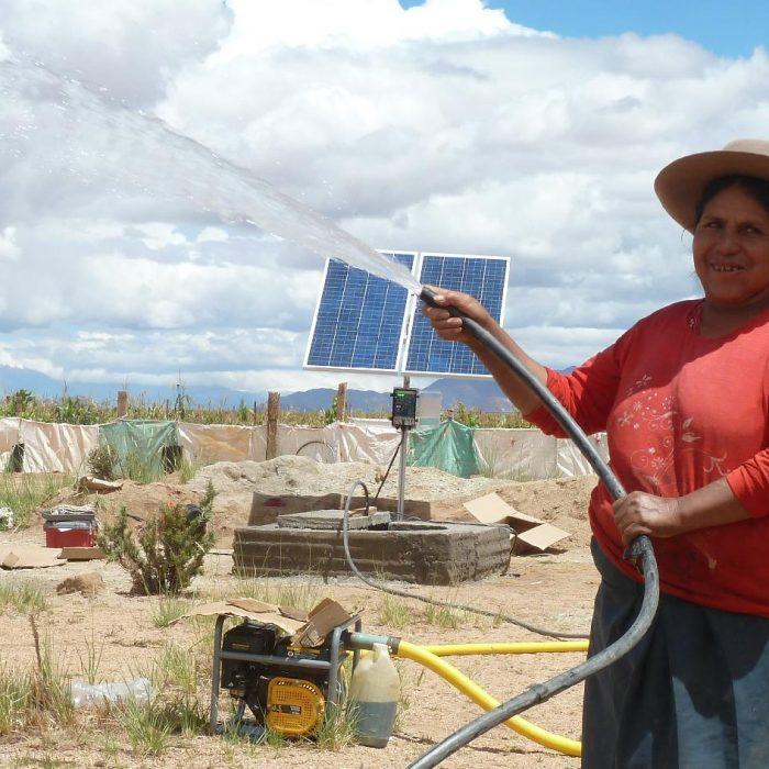 Sistema de bombeo solar para la extracción de agua en instalaciones productivas y residenciales