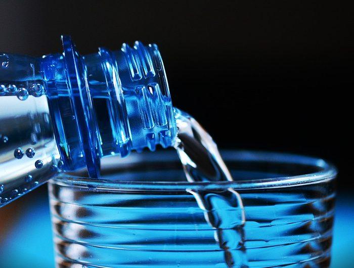 Hidratación saludable: ¿Por qué el agua es la mejor opción?