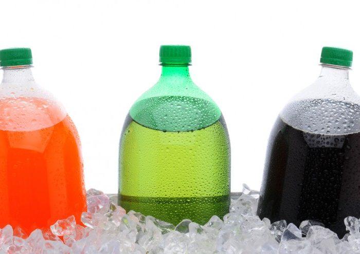 El 48% de los niños y niñas toman dos vasos al día de bebidas azucaradas, según un estudio