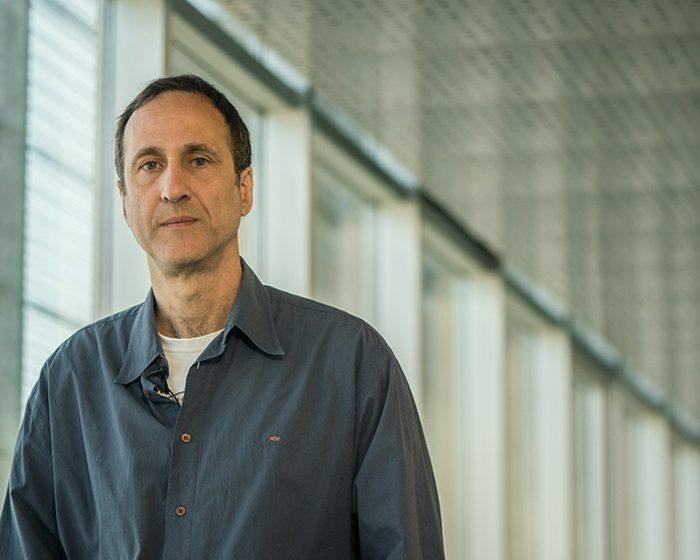 Daniel Parisi: un científico que trabaja desde la Ingeniería para evitar las tragedias de multitudes
