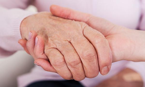 Identifican mecanismo que podría frenar la pérdida de sinapsis durante el Alzhéimer