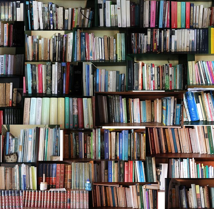 Pérez Reverte, Samanta Schweblin y lecturas de poesía en la programación virtual de la feria