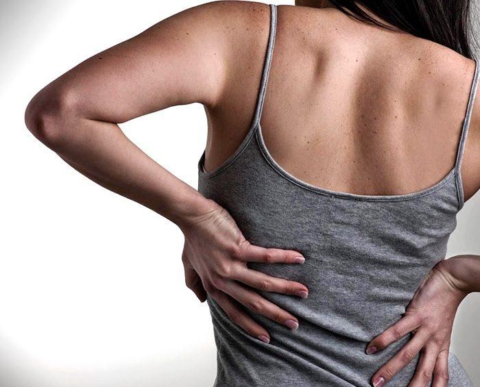 Cómo prevenir dolores de espalda durante la cuarentena