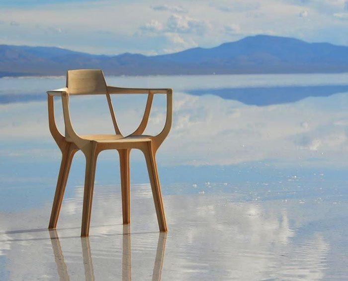 Una silla desarrollada por un argentino ganó el premio más importante de diseño en Milán