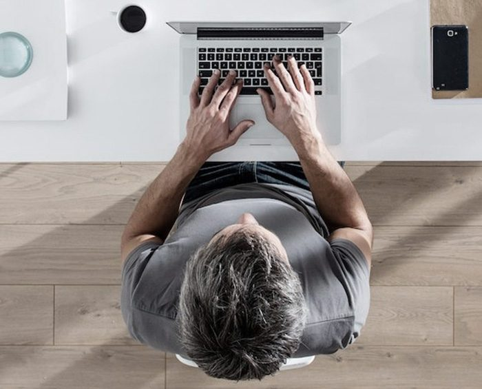 Las personas con bajo índice de sobrepeso podrán retornar a sus lugares de trabajo