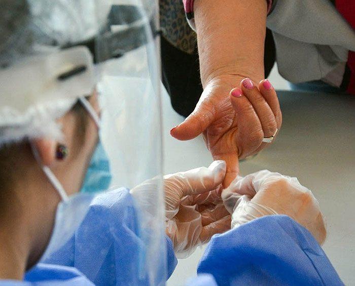 Crean en La Plata el primer test serológico para detectar coronavirus en cinco minutos