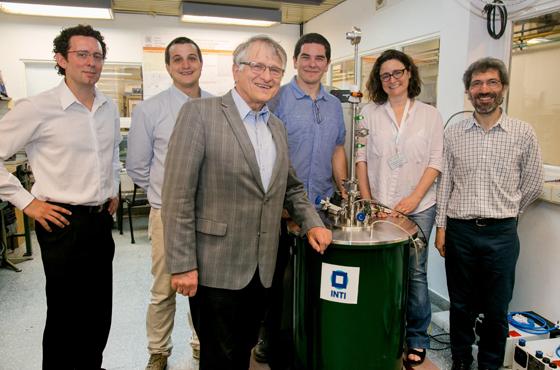 Nobel de Física interesado en un trabajo argentino