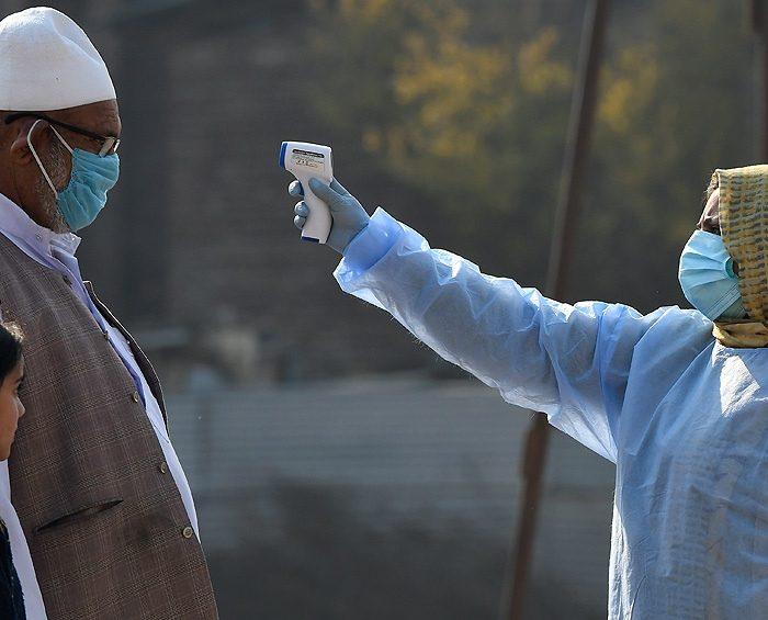 El mayor fabricante de vacunas del mundo pedirá la licencia de emergencia para producir la de AstraZeneca