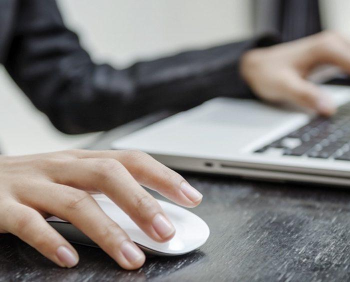 El 60% de los estudiantes de familias de bajos ingresos no tiene computadoras en su casa