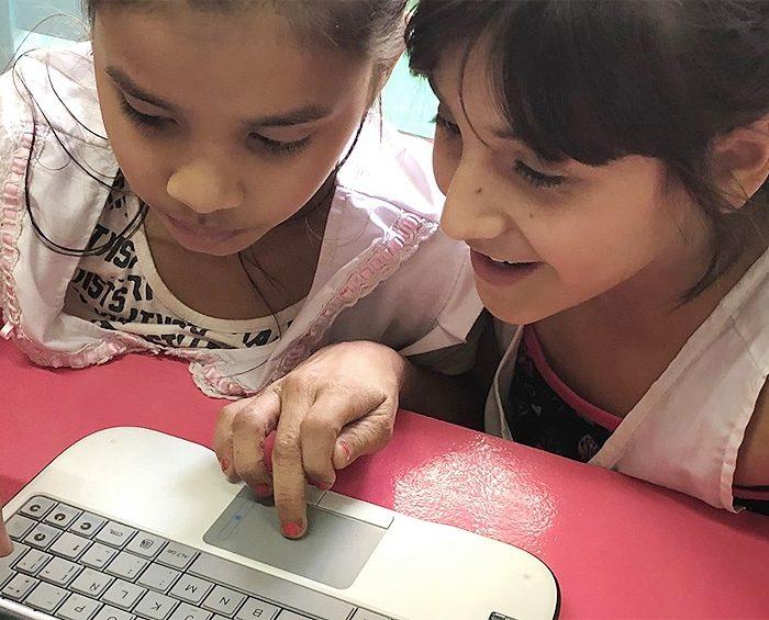 Dos tercios de los niños en edad escolar en todo el mundo carecen de acceso a Internet