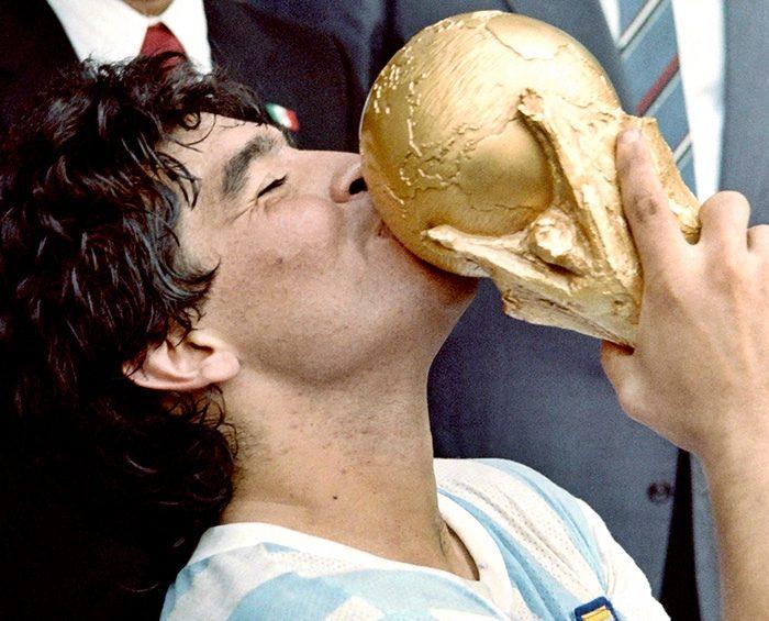 Maradona se mencionó más de 21 millones de veces en Facebook el día en que murió