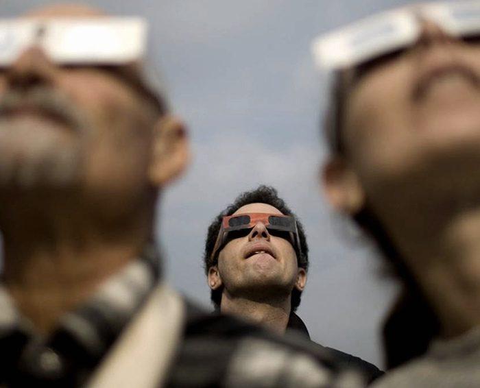 Eclipse de sol: cómo mirarlo, cómo cuidarse y cuándo disfrutarlo