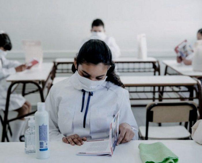 Una revista científica señala que las clases presenciales incrementan los casos