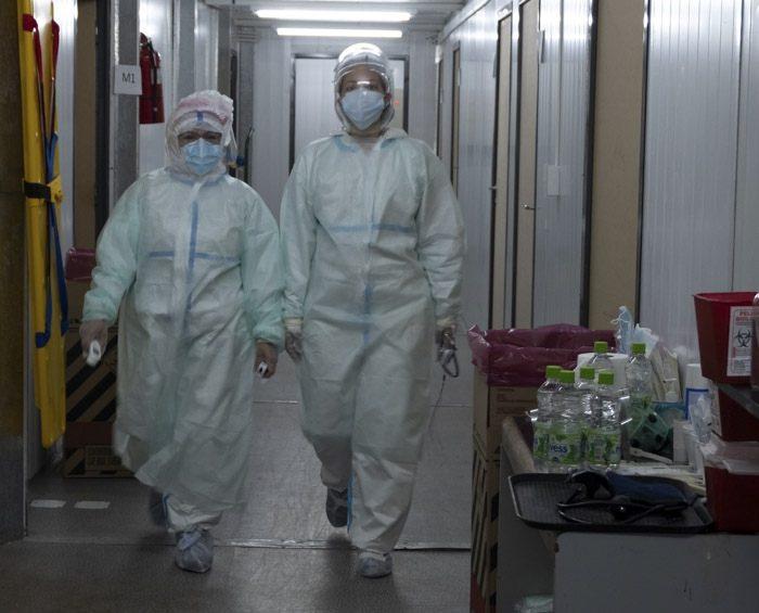 """Entidades médicas advierten que el sistema de salud """"afrontará semanas críticas para evitar un colapso"""""""