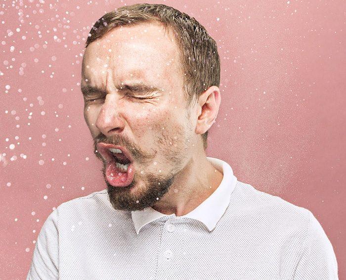 OMS aceptó que el coronavirus se propaga por el aire