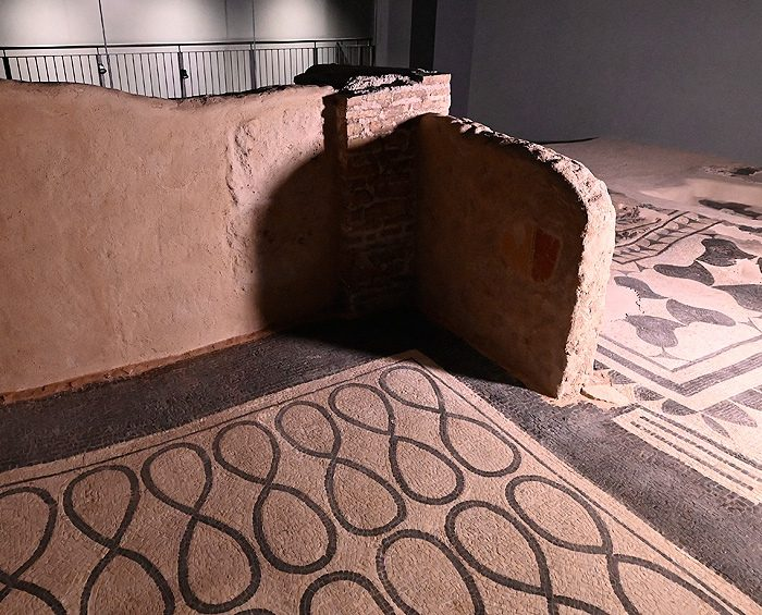 Iban a instalar un estacionamiento y hallaron restos de la época del Imperio Romano