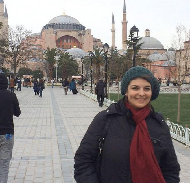 """""""Subestimaba al Covid en jóvenes y estoy viva de milagro"""", dijo una argentina residente en Turquía"""