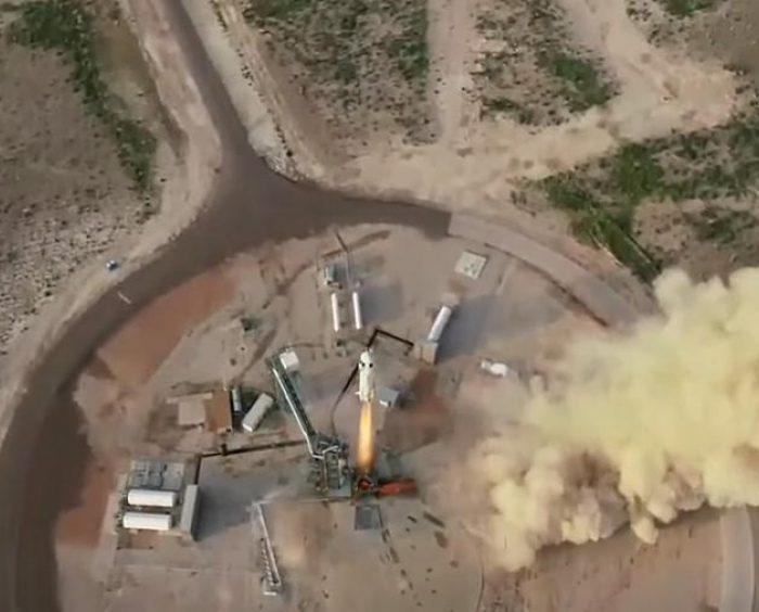 Bezos llegó al espacio y dio una muestra de lo que podría ser la nueva diversión de millonarios