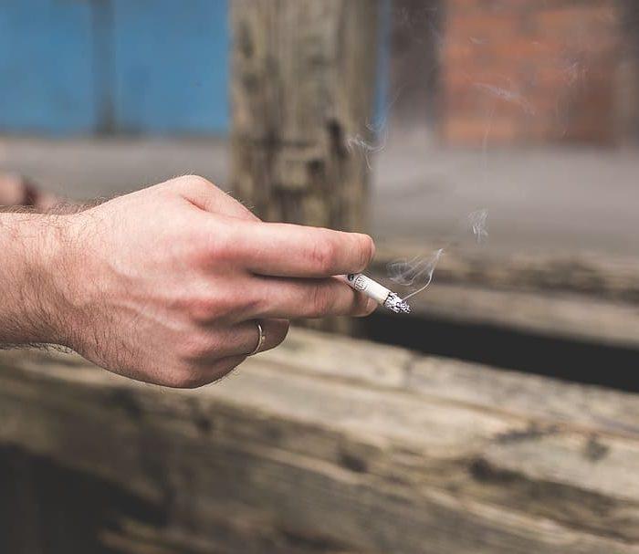 Tabaquismo y exceso de alcohol responsables del cáncer de cabeza y cuello