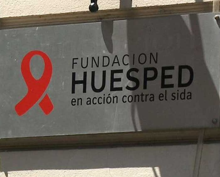 Fundación Huésped lanza encuesta sobre educación sexual para estudiantes y docentes