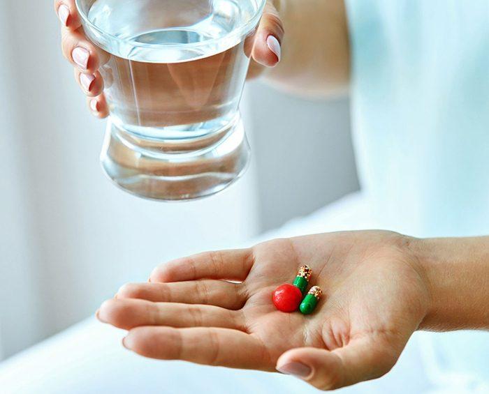 Coronavirus: anuncian que una píldora redujo a la mitad las muertes en casos graves
